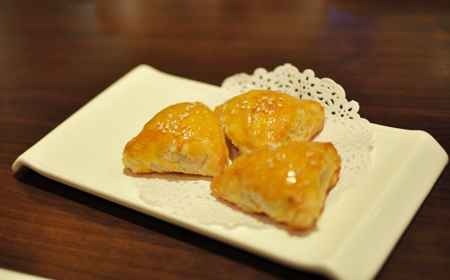 Pork cha siu triangle pastires